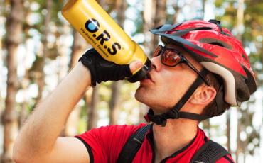 O.R.S ハイドレーションガイド: サイクリング、ランニング、スイミングイベントでの賢い水分補給